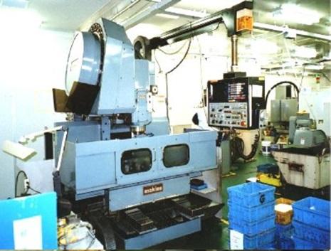 Máy gia công CNC MAKINO - Cơ khí chính xác