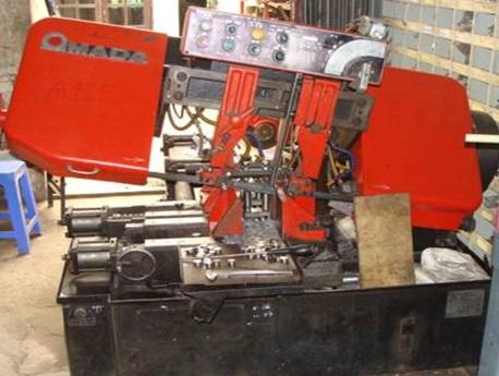 Máy gia công CNC AMADA- Cơ khí chính xác